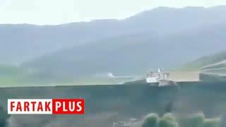 لحظه سقوط ساختمان جهاد کشاورزی به داخل رودخانه!