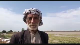 پیرمرد خوزستانی: لودر شرکت نفت زمین کشاورزی و روستایمان را نجات داد