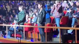 وقتی تو کنسرت دونگهه و ایونهیوک, آیرین و سوهو و یونهو و چانگمینو مجبور میکنن با آهنگ چوکیوا برقصن❤️