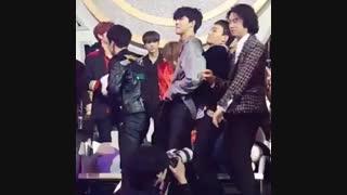 واکنش گروه اکسو به آهنگ DNA از BTS