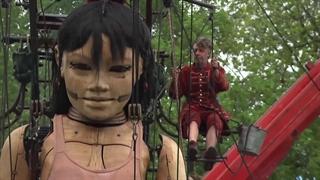 جشنواره عروسک های غول پیکر در مونترال