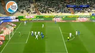 گل چهارم استقلال تهران به استقلال خوزستان توسط علی کریمی در دقیقه  90