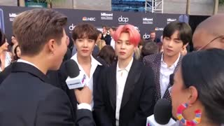 BTS Show Off Friendship Bracelets with Halsey & Dance to Ciara on The 2019 BBMAs Red Carpet - YouTube