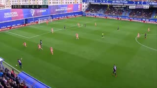 گل اول ایبار به بارسلونا توسط کوکورلا