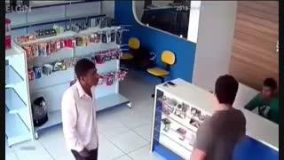 مرگ سارق قبل از سرقت
