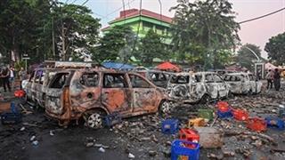 تبدیل شدن خیابانهای اندونزی به میدان جنگ
