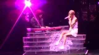 اجرا سولو رزی بلک پینک_لندن♥♥♥♥♥♥من عاشق این دخترم