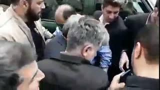 لحظه ورود دکتر احمدی نژاد به اجتماع پرشور مردم در راهپیمایی روز قدس
