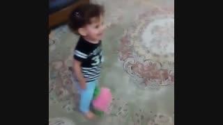 خنده یسنا
