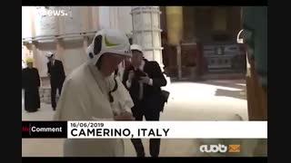 پاپ از آسیب دیدگان زلزله ۳ سال پیش کارمینو بازدید کرد