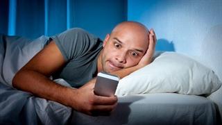 اشتباهاتی که بعد از بیدارشدن از خواب انجام میدهید