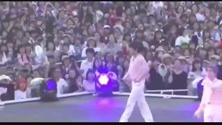 کاتی از اجرای Best Of Me_زوم روی تهیونگ شی