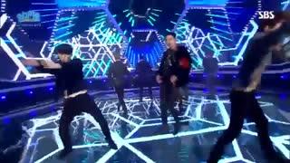 اجرای آهنگ lotto توسط اعضای گروه کره ای اکسو