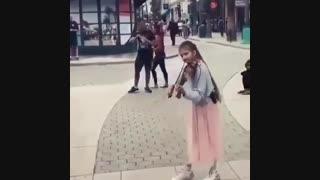 نوازنده دروه گرد...