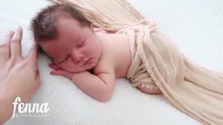 زیباترین ژست عکس از کودک | آتلیه کودک امیر