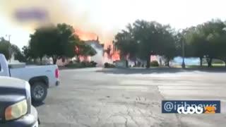 کلیسای ۱۰۰ ساله تگزاس در آتش خاکستر شد