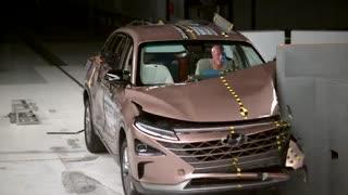 تست تصادف خودروی هیدروژنی 2019 Hyundai Nexo