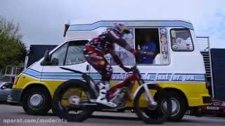 حرکات حرفه ای و نمایشی با موتور سیکلت