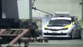 حرکات نمایشی با ماشین مسابقه ای